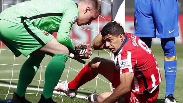 Suarez ăn vạ đòi penalty, Ter Stegen vội vã thanh minh