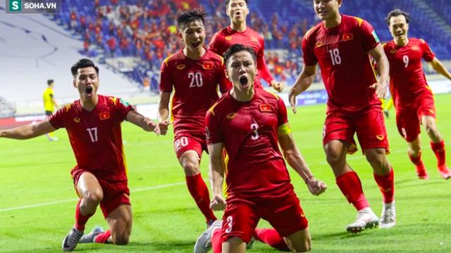 """CĐV Việt Nam """"hú vía"""" sau trận thắng kịch tính, nhớ đến """"ký ức đen tối"""" trong trận gặp Malaysia"""