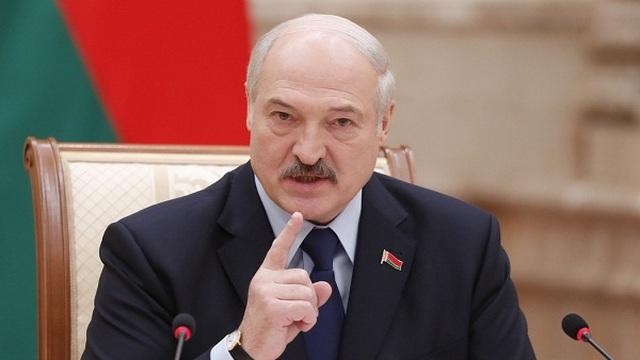 Ông Lukashenko muốn người dân Belarus biết cách xử lý vũ khí