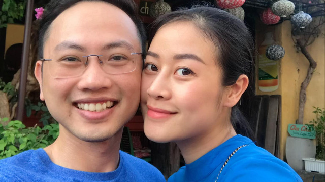"""MC Phí Linh: """"Hai vợ chồng sến sẩm đến nỗi khi ngủ cũng nắm tay nhau"""""""