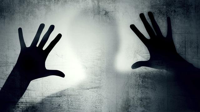 6 cô gái trẻ bị tấn công tình dục, cảnh sát không khỏi kinh ngạc khi bắt được thủ phạm