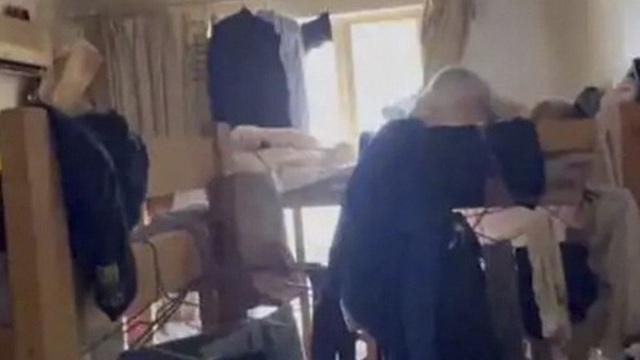 Từ vụ 39 người chen chúc trong 1 căn hộ chung cư: Hé lộ thực tế đáng sợ tại thành phố đắt đỏ bậc nhất Trung Quốc