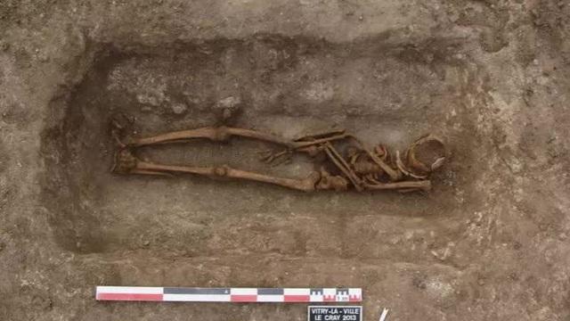 """Loạt mộ cổ chứa bảo vật """"ma"""" xuất hiện bí ẩn khắp châu Âu"""