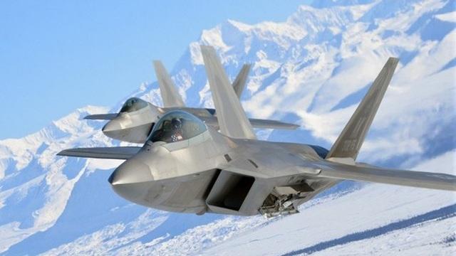 """Washington đau đầu trước chiến thuật """"hạ sát"""" F-22 của Moscow"""