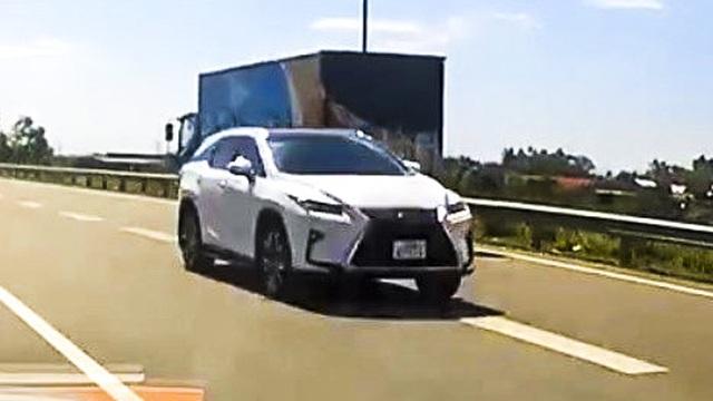 Danh tính tài xế xe Lexus đi ngược chiều trên cao tốc Nội Bài – Lào Cai