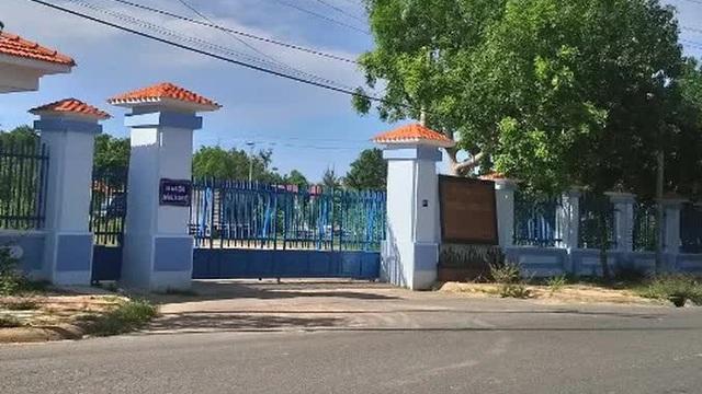 Trường Chính trị Bình Thuận tổ chức khai giảng đông người, có F0 tham dự
