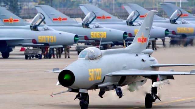 """Trung Quốc sử dụng máy bay """"ma quái"""": Liệu Đài Loan có sập bẫy?"""