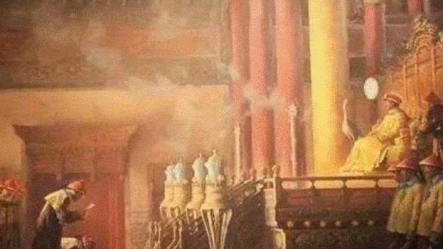 """Quan tham bị tội chết, hét lên một câu khiến hoàng đế TQ cho """"miễn chết"""" và phục chức"""