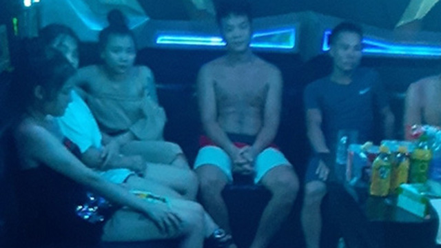 Bảy cặp đôi vào quán karaoke sử dụng ma túy