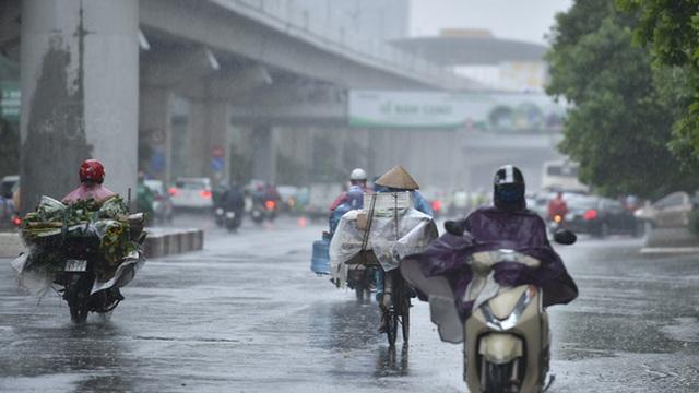 Áp thấp có thể mạnh lên, Hà Nội và miền Bắc mưa to đến bao giờ?