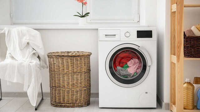 Máy giặt chạy đua giảm giá gần 50%, có mẫu chỉ từ 2 triệu đồng
