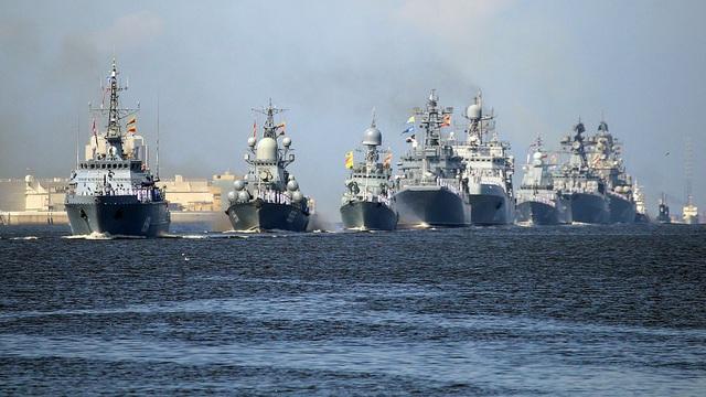 Hải quân Nga bắn 21 phát đại bác chào mừng: TT Putin sắp có bài phát biểu quan trọng