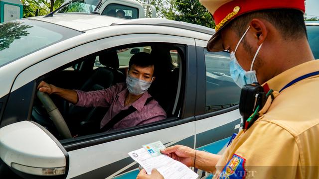 """Các thủ tục cần thiết để dịch vụ vận tải được ưu tiên """"luồng xanh"""" khi ra-vào Hà Nội"""