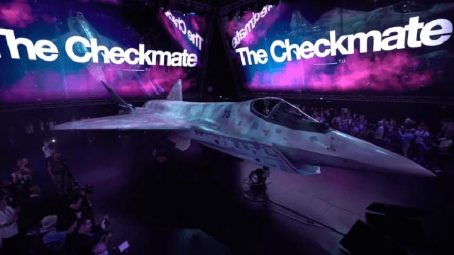 """Máy bay mới của Nga: Đẹp mê hồn, tính năng siêu khủng - F-35 Mỹ """"ngả mũ chào"""" vì giá quá rẻ!"""