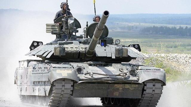 Xe tăng Ukraine 'bắn nhầm' vào ngôi làng trong cuộc tập trận