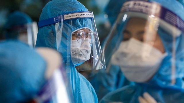 Thứ trưởng Bộ Y tế kêu gọi toàn bộ hệ thống y tế tham gia chống dịch Covid-19 tại TP HCM