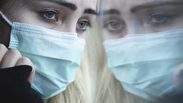 """Dịch COVID-19 kéo dài: Những tổn thương ít được quan tâm của nhân viên y tế - bài học """"đáng báo động"""" từ các đại dịch"""