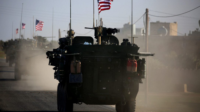Nóng: Cận cảnh xe quân sự Mỹ nổ tung vì bị tấn công