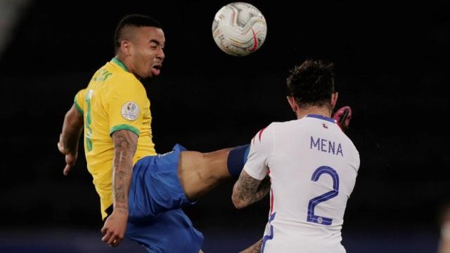 Copa America: Vào bóng như đấu võ, sao Brazil lập tức nhận thẻ đỏ rời sân