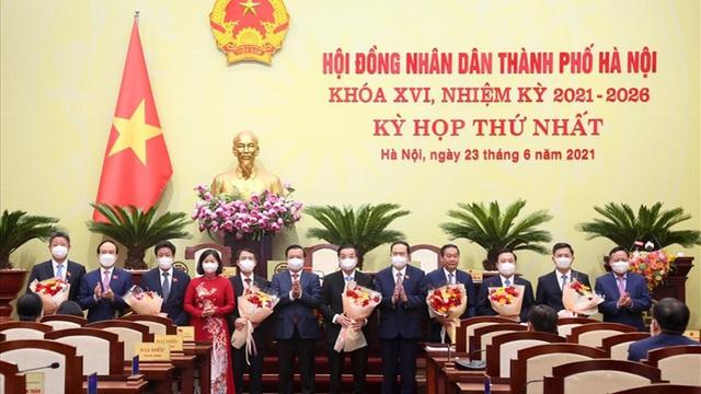 Phê chuẩn kết quả bầu Chủ tịch, Phó Chủ tịch UBND thành phố Hà Nội nhiệm kỳ 2021-2026