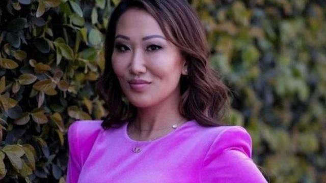 Bà mẹ 4 con Tiffany Moon: Từ đứa bé trong gia đình nghèo đến thành viên giới siêu giàu châu Á trên đất Mỹ