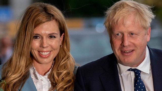 """Truyền thông Anh: Thủ tướng Johnson và phu nhân Carrie đang """"chờ đón"""" đứa con thứ 2"""