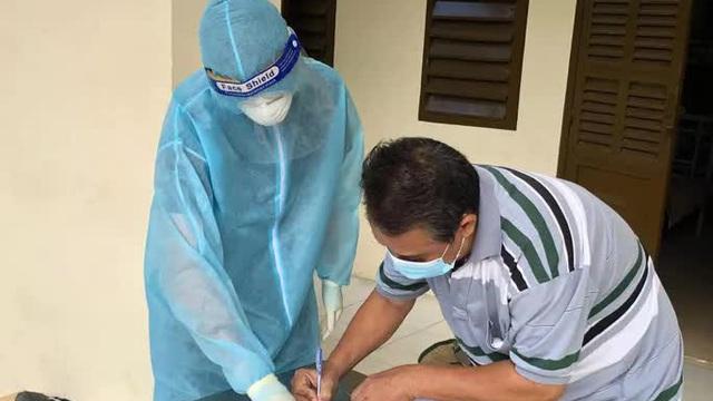 Bác sĩ lý giải vì sao TP HCM muốn vận động F0 khỏi bệnh tham gia chống dịch Covid-19