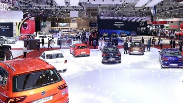 Thị trường ô tô Việt Nam sụt giảm tháng thứ 4 liên tiếp