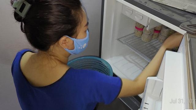 Ở nhà tránh dịch không gọi được thợ mà tủ lạnh đột nhiên không lạnh. Chú hàng xóm bật mí một cách sửa tạm thời cực hiệu quả, dễ dàng vượt qua ngày giãn cách