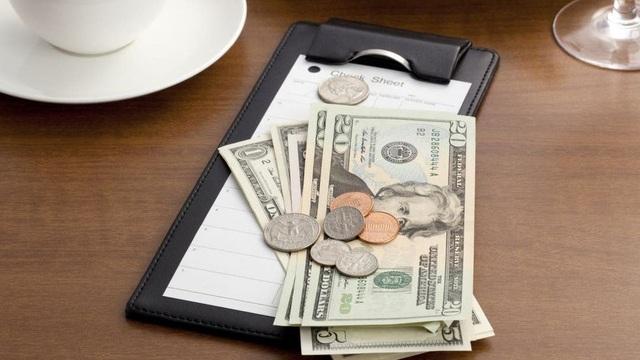 Nhà hàng sững sờ khi khách tip gấp nhiều lần giá trị hóa đơn vì lý do không tưởng