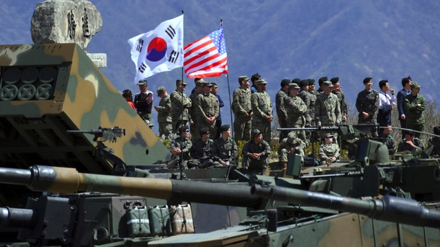 Nhìn gương thảm họa Afghanistan: Hàn Quốc tim đập chân run, đòi Mỹ phải trao quyền tự vệ