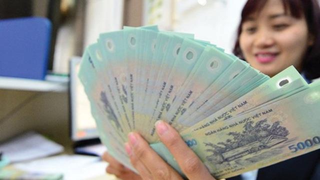 'Soi' thu nhập nhân viên của 15 ngân hàng: Ai tăng mạnh nhất trong nửa đầu năm?