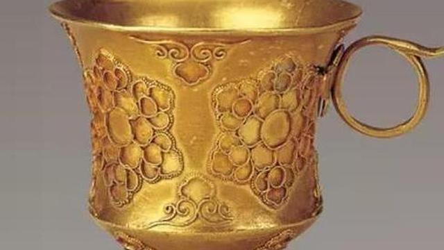 Hầm rượu cổ chứa hàng ngàn cổ vật: 'Chiếc cốc tàn phế' lại là báu vật trời ban!