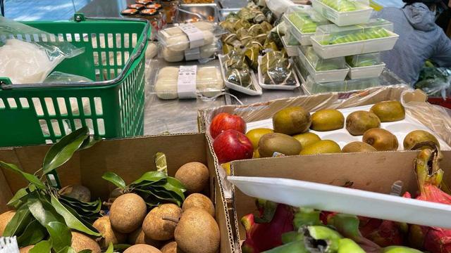 Giá thực phẩm ở Hà Nội tăng nhân ngày rằm tháng bảy
