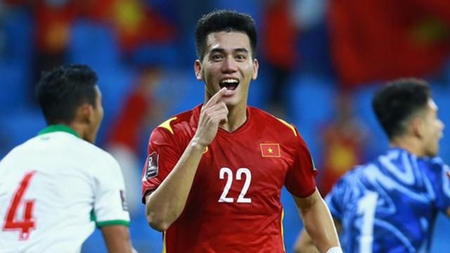 """Tiến Linh bất ngờ được xếp """"chung mâm"""" với các siêu sao Ronaldo, Messi, Neymar"""