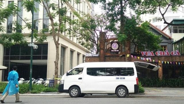 Người đàn ông tử vong trong nhà hàng Vua Chả Cá ở quận Hoàn Kiếm là bảo vệ