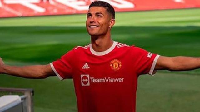 Hội tuyển thủ Việt Nam phát cuồng với Ronaldo: Quế Ngọc Hải cập nhật liên tục, Duy Mạnh phấn khích trước trận