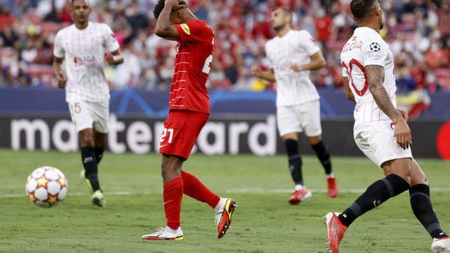 Sevilla chia điểm trong trận cầu lịch sử với 4 quả phạt đền chỉ trong hiệp một