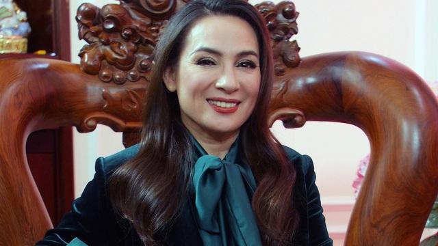 Luật sư nói gì về hành vi lợi dụng ca sĩ Phi Nhung điều trị Covid-19 để kêu gọi từ thiện?