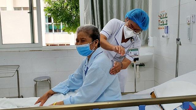 Giám đốc Trung tâm Chống độc cảnh báo: Đã có hiện tượng ngộ độc paracetamol vì uống thuốc Nam