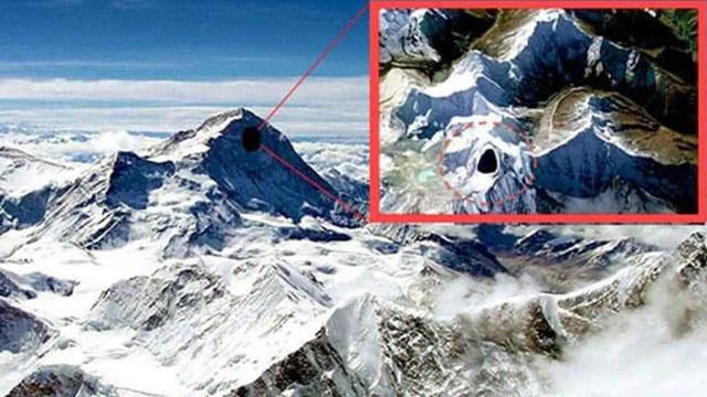 """Một dòng nước """"tố cáo"""" dãy Himalaya thực ra chỉ là ngọn núi """"rỗng tuếch"""": Thực hư câu chuyện ra sao?"""