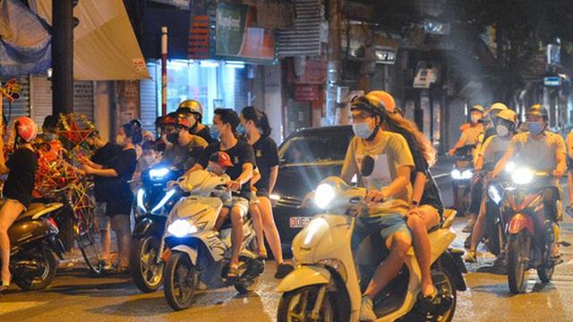 Các dịch vụ hứa hẹn 'đắt như tôm tươi' tại Hà Nội ngày 21/9: Cắt tóc - gội đầu, mua phở mang về được gọi tên!