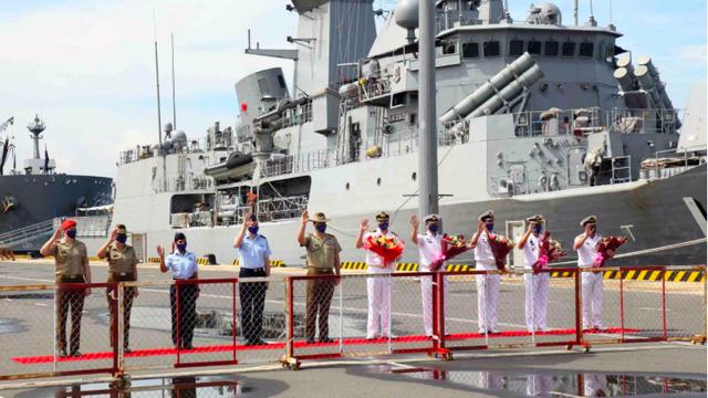 Nhóm tàu tác chiến Úc thăm Việt Nam