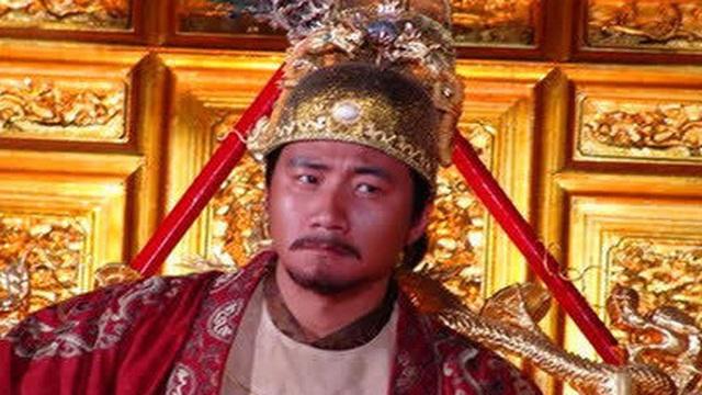 Chu Nguyên Chương thết đãi công thần, Lưu Bá Ôn vừa nhìn thấy đồ ăn mặt liền biến sắc vì nhận ra ý định đáng sợ của vua