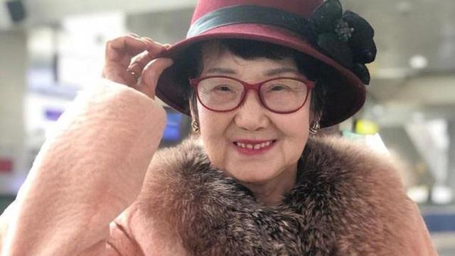 """Bà lão HUYỀN THOẠI nhất Trung Quốc: 18 năm ngồi tù, chồng bỏ con mất, 71 tuổi ra tù làm nhân viên dọn nhà vệ sinh, """"lội ngược dòng"""" trở thành tỷ phú ở tuổi 81"""