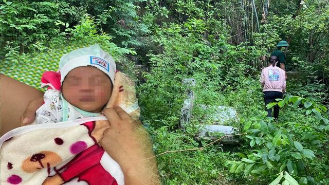 """Bé trai 3 ngày tuổi bị bỏ rơi ở chân núi có nhiều ngôi mộ cùng lá thư """"nhờ nuôi con nên người"""""""