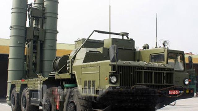 """Video: Sức mạnh """"quả đấm thép"""" S-300PMU1 Trung đoàn tên lửa 64"""