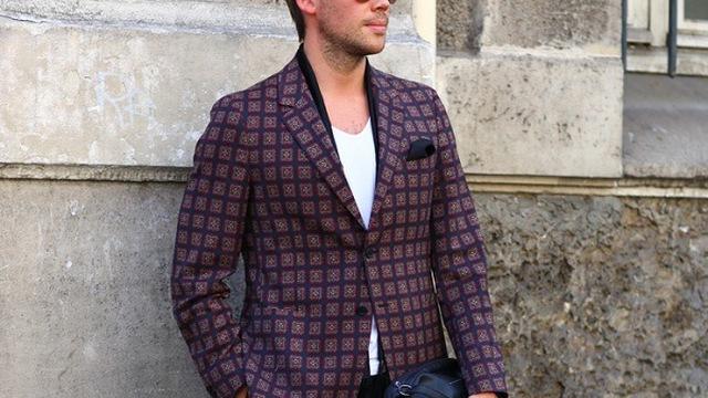 Bay bổng cùng vest với quý ông Paris