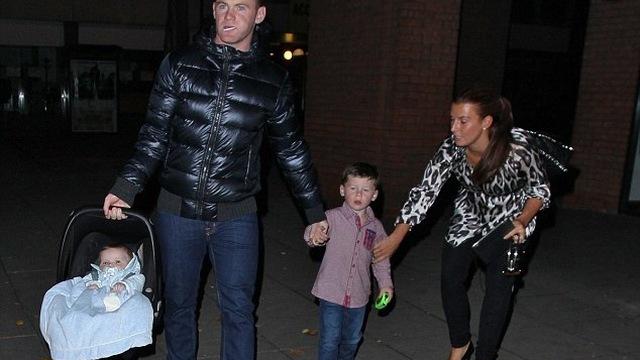 28 tuổi, Rooney tổ chức sinh nhật thế nào?