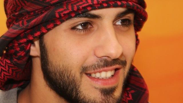'Trai đẹp' Omar bị tố vòi tiền trơ trẽn khi tới Việt Nam